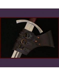 Nastaviteľný úchyt na meč