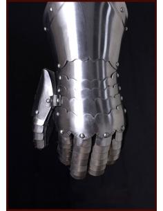 Plechové rukavice