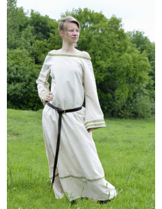 Stredoveké spodné šaty Nessa