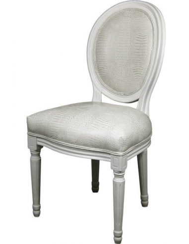 Biela stolička s oválnym operadlom