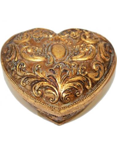 Zdobená truhlička v tvare srdca